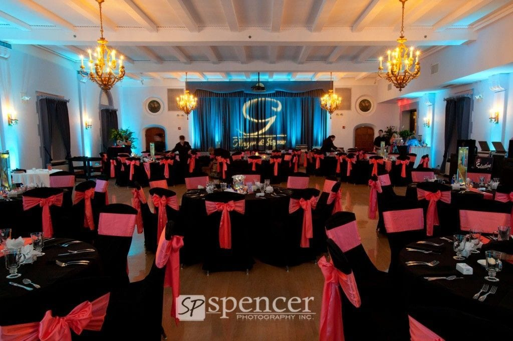 Metropolitan Center. Beautifully decorated reception venue with soft lighting and gobo