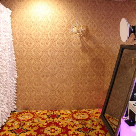 White Feather Background for Mirror Photo Booth
