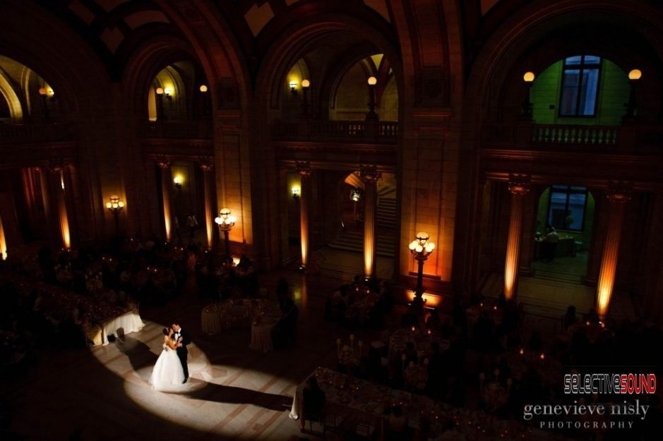 cleveland courthouse, old courthouse, cleveland courthouse lighting, cleveland courthouse dj, feature lighting, cleveland wedding lighting