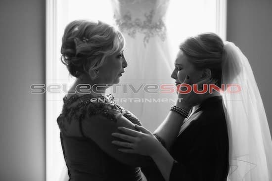 Bride and mother before ceremony